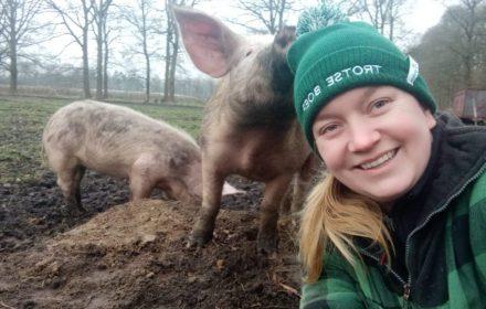 Boerin Marleen en de varkens